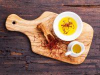 Olej szafranowy, olej krokoszowy i inne najlepsze olejki do włosów!